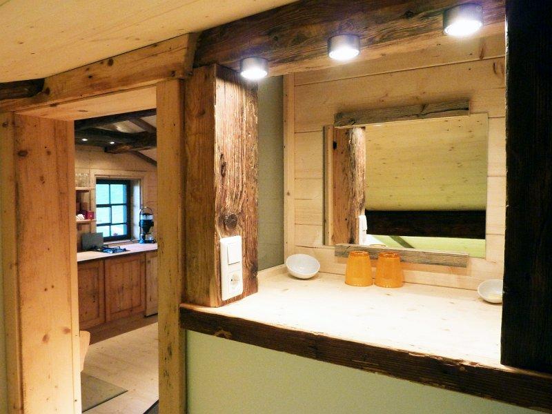 Alph tte renovierung der hirtenwohnung willkommen bei for Badspiegel holz
